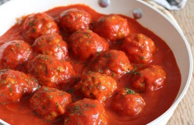тефтели с томатной подливкой