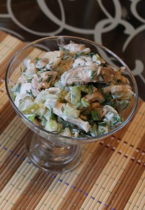 салат с копченым куриным филе